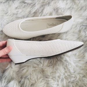 Vintage Basic Editions Weaved White Heels